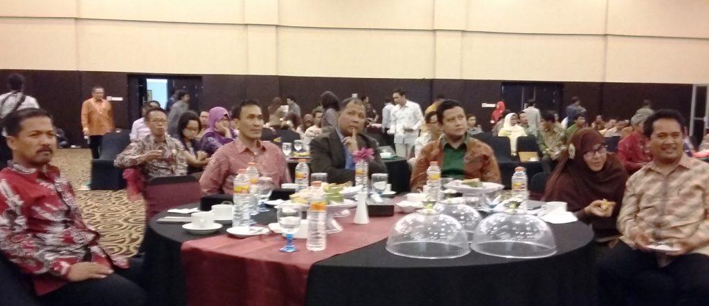 Pejabat formal Kepemiluan di Indonesia dan Sulbar dalam Rakor yang bertema: Dari Bawaslu Selamatkan Indonesia, Mamuju, 21 Oktober 2016. (Foto: Sarman SHD)