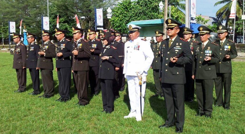 Upacara Bendera di Lapangan Merdeka Mamuju dalam Rangka memeringati HUT TNI ke-71, Mamuju, Rabu, 5 Oktober 2016. (Foto: Andi Arwin)