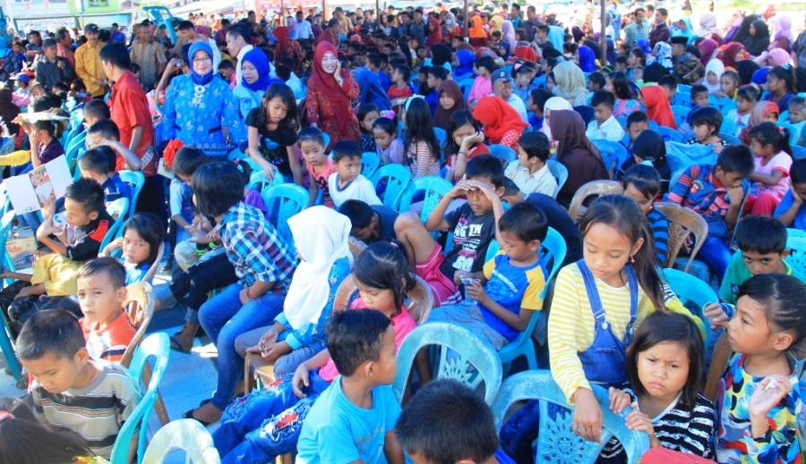 Launcing GKB 3.376 anak ini dicanangkan oleh Bupati Mamuju Habsi Wahid dan Wakil Bupati Mamuju Irwan SP Pababari, melaliu Dinas Pendidikan, Pemuda dan Olahraga Mamuju, 19 November 2016. (Foto: Humas Pemkab Mamuju)